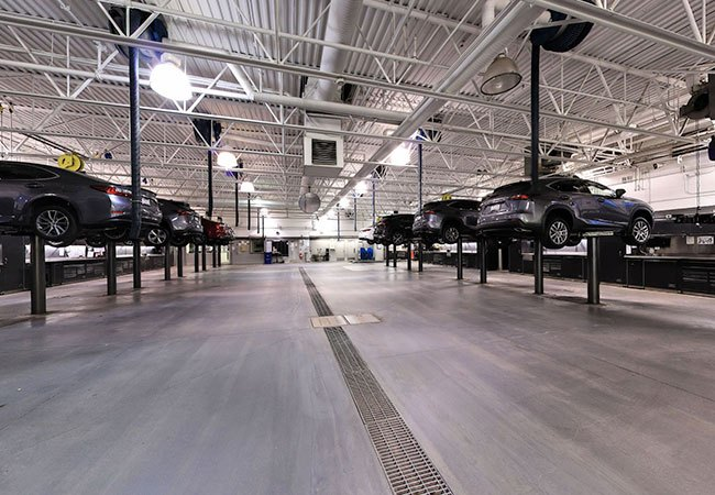 Lexus of Calgary Service Bay